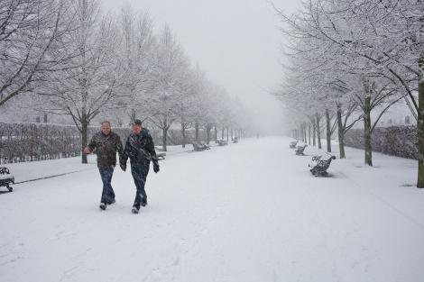 Snowing Regents Park