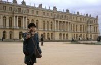 After an hour train journey, we arrived at Chateau de Versailles.