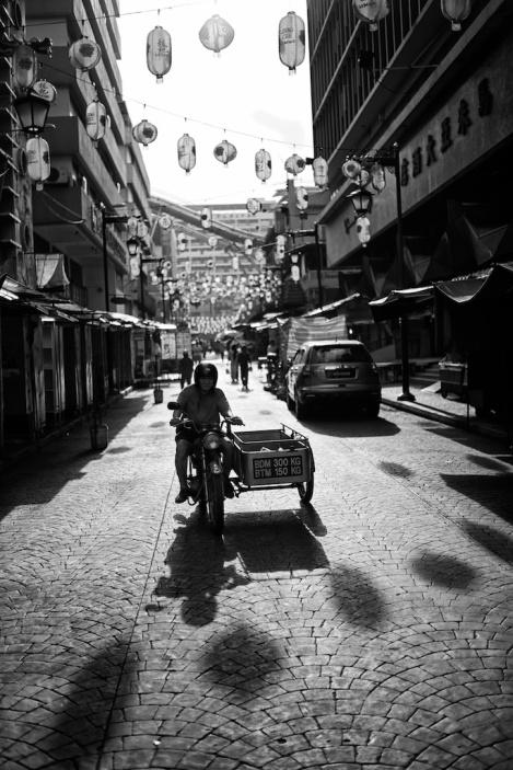Leica Street, Malaysia, Kuala Lumpur, Black and White, Monochrome, Chinatown, M240, Voigtlander Nokton 35mm 1.2